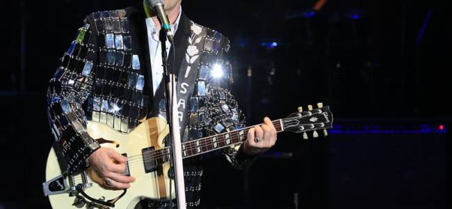 Chris Isaak @ The Pacific Amphitheatre – 07/29/2016