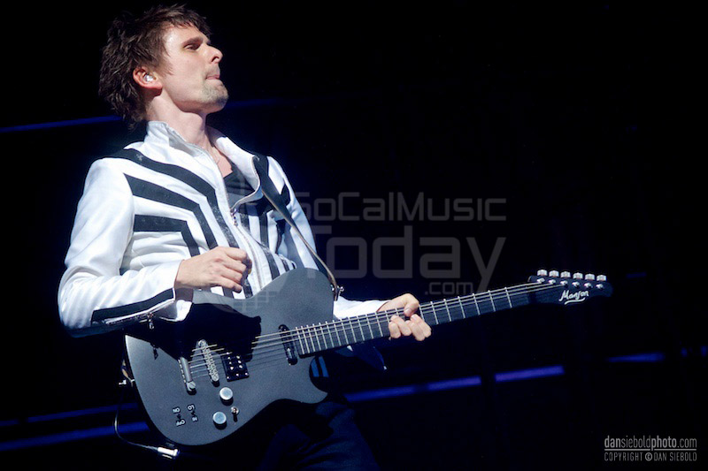 Muse staples center 1262013 socalmusictoday matthew bellamy of muse performs at staples center january 26th 2013 voltagebd Image collections