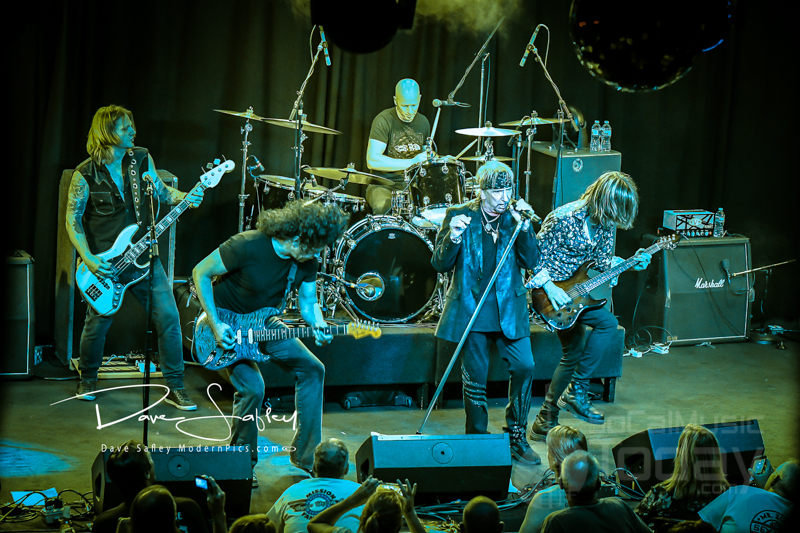 Jack Russell Great White Tour